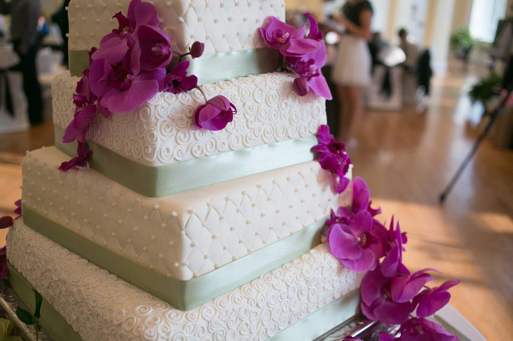 The Cake Lady: 620 W 3rd St, Sedalia, MO