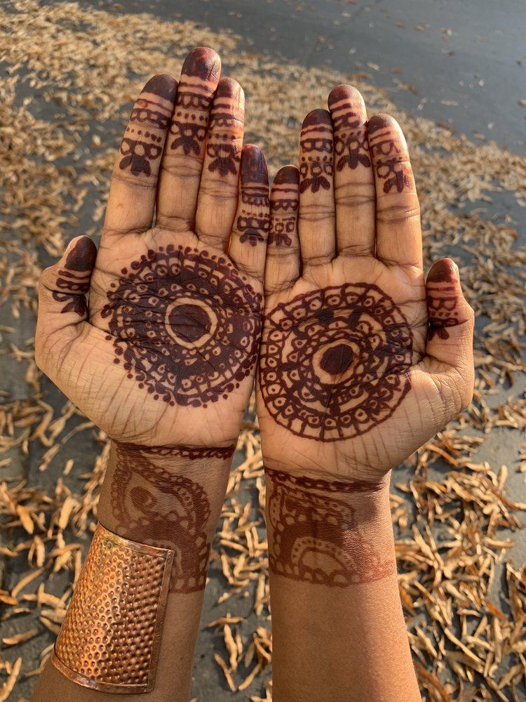 Nivi Henna Artist: Chattanooga, TN