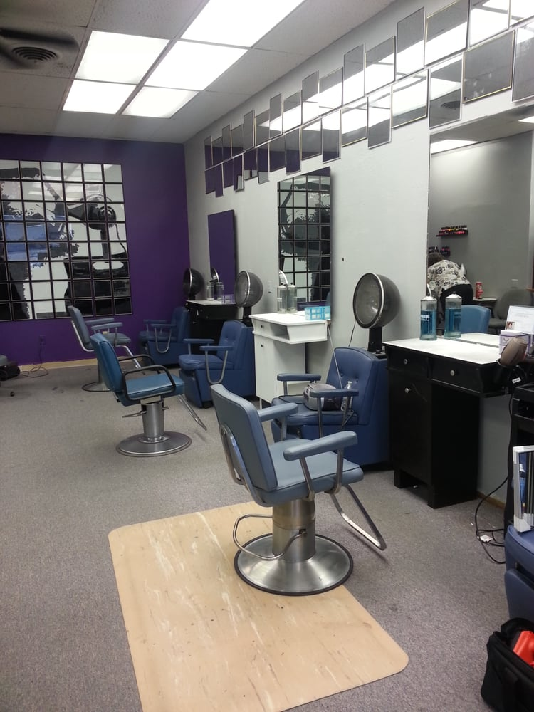 Magic touch beauty salon hairdressers 7527 wornall rd for A touch of beauty salon