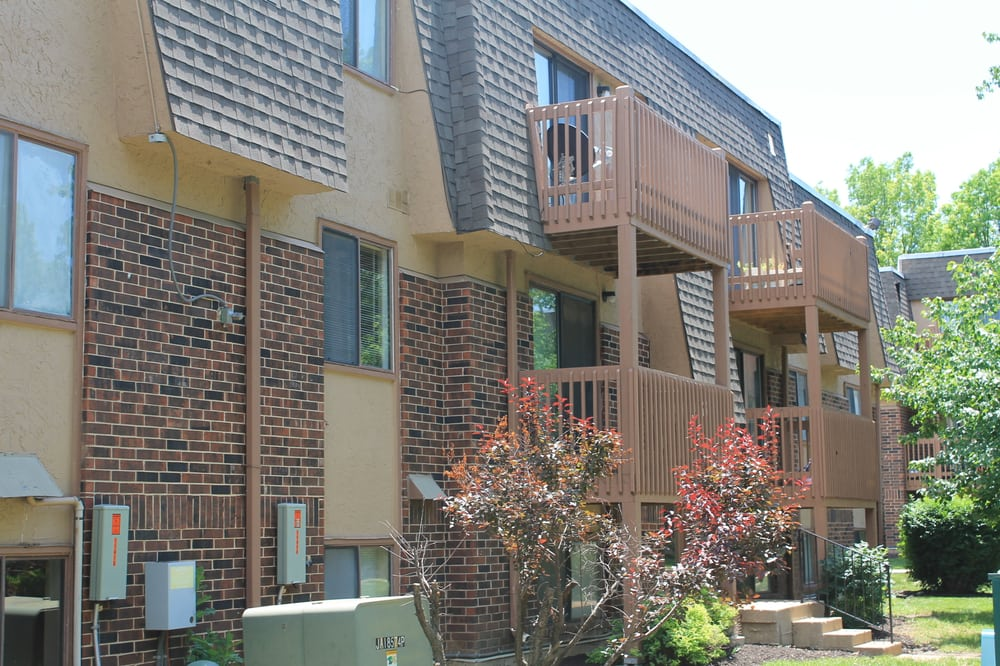 Over sized 1 2 3 bedroom apartments yelp - 3 bedroom apartments kansas city ...