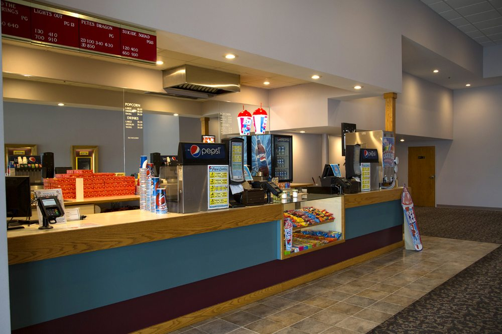 Cinema 4 Theatre: 1013 N 18th St, Centerville, IA