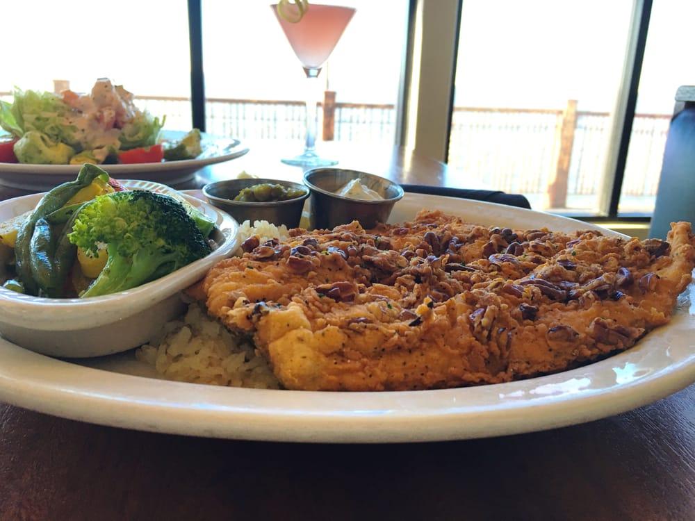 Hefner Grill: 9201 Lake Hefner Pkwy, Oklahoma City, OK