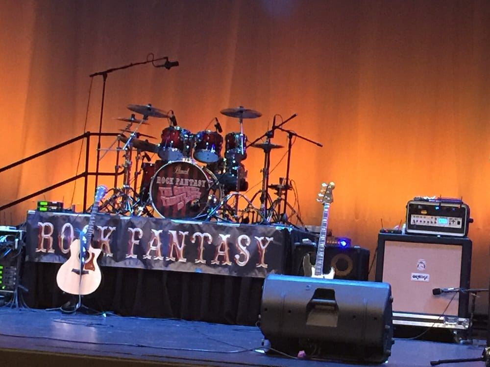 Center Theater Stage: 7630 S Washington Ave, Whittier, CA