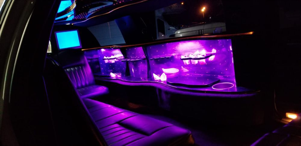 Instyle Limousine: 1115 Logan Ave, Belvidere, IL