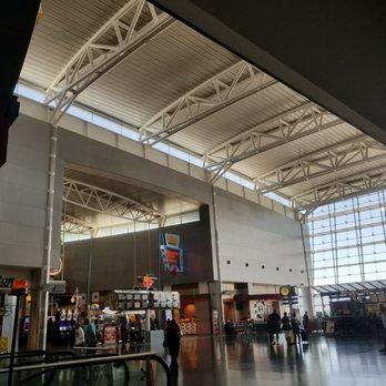 'Photo of McCarran International Airport - Las Vegas, NV, United States' from the web at 'https://s3-media1.fl.yelpcdn.com/bphoto/9rCYh8bztYrlyMLVDuY3BA/348s.jpg'