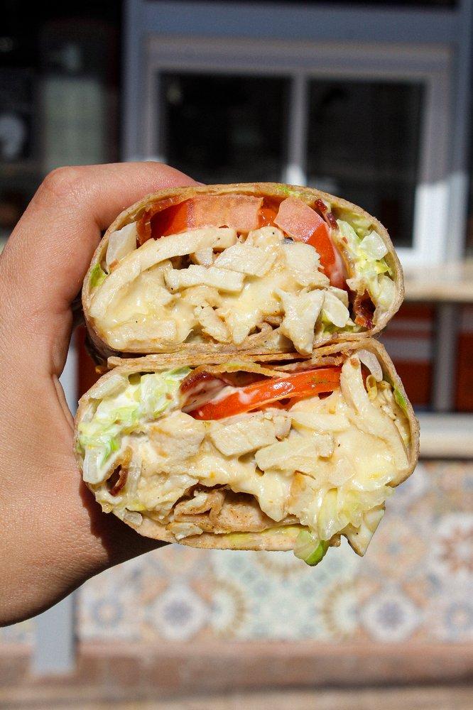 Laurel Rd Cafe Delicatessen: 220 Laurel Rd, East Northport, NY