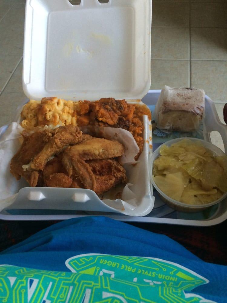 Restaurants Near With That Serve Chicken Alfredo