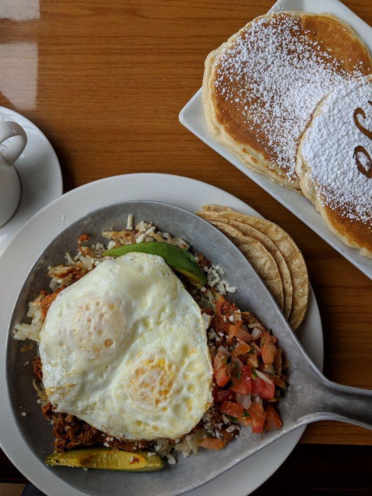 Eggsclusive Cafe: 7105 Cherryvale N Blvd, Rockford, IL