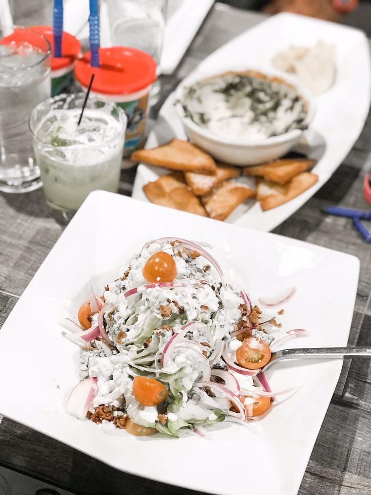 Fieldhouse Restaurant & Bar: 5555 Hamner Ave, Norco, CA