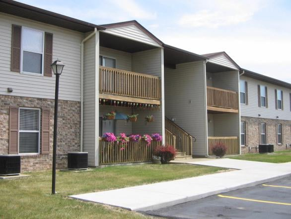 Bristol Gardens Apartments: 4725 N Martin Luther King Jr Dr, Decatur, IL