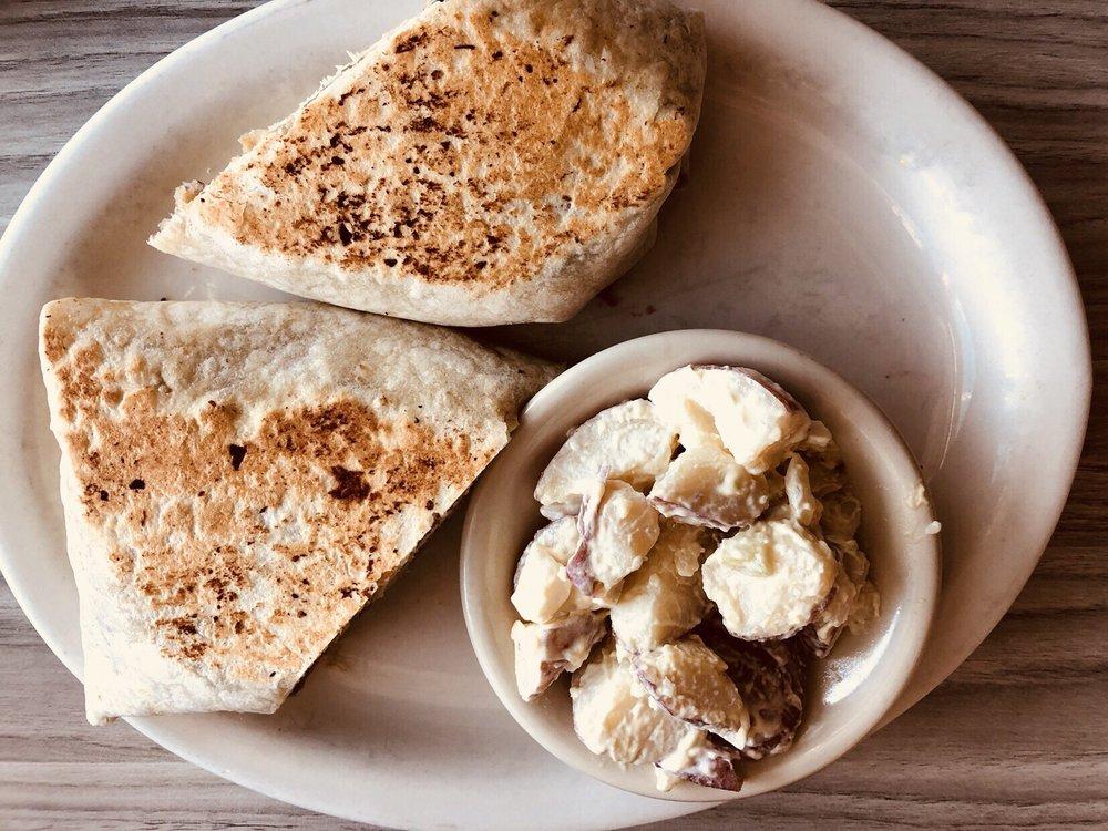 Mattapoisett Diner: 81 Fairhaven Rd, Mattapoisett, MA
