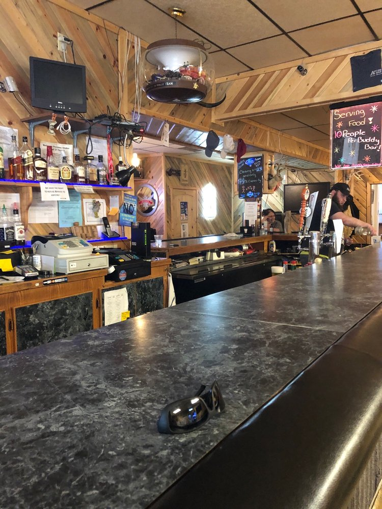 Antler Bar: 102 Main Ave N, Fairfield, MT