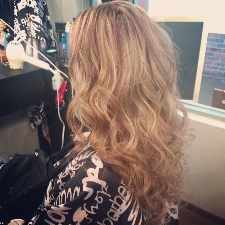 Terezinha Hair Salon: 515 Robertson Blvd, Chowchilla, CA