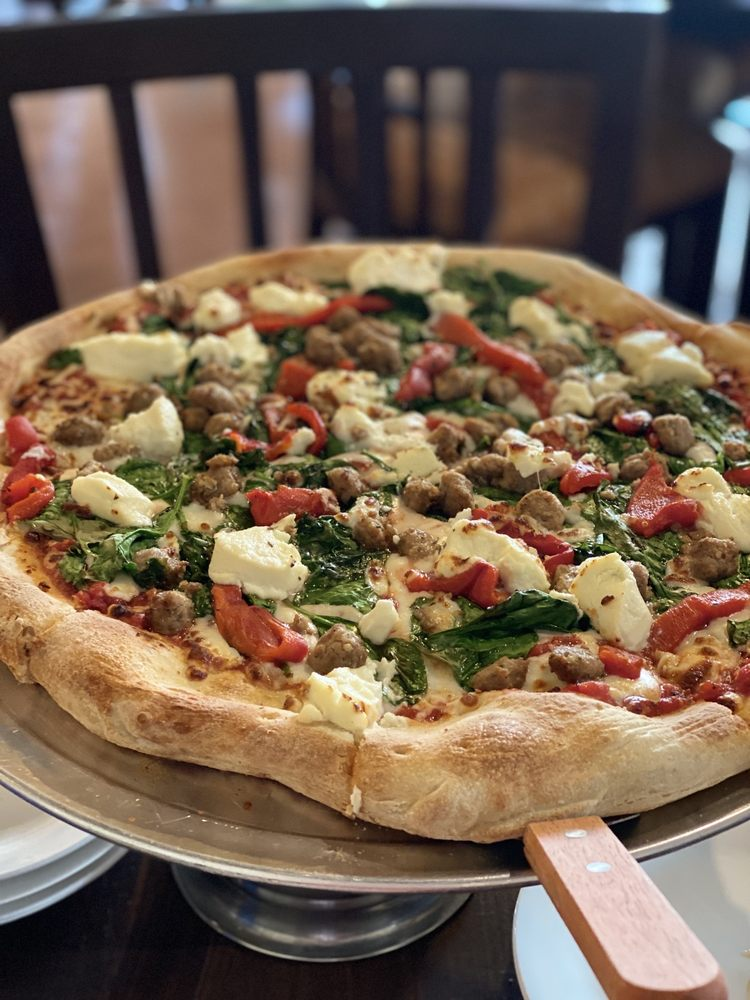 Mario's Pizza and Wine Bar: 29774 US-281, Bulverde, TX