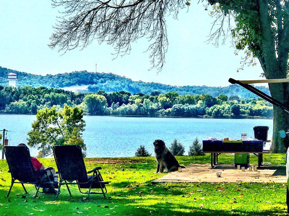 Neshonoc Lakeside Camping Resort: N5334 Neshonoc Rd, West Salem, WI