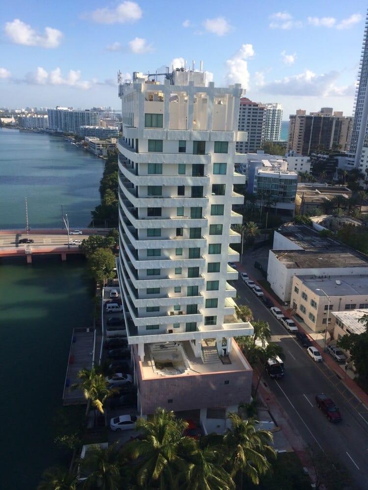 Place  Indian Creek Dr Miami Beach