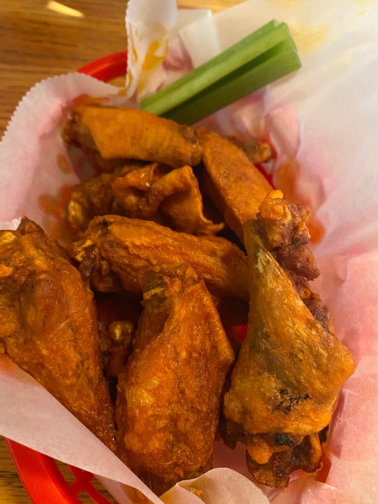 Rootie's Sports Bar & Grill: 12205 Westport Rd, Louisville, KY