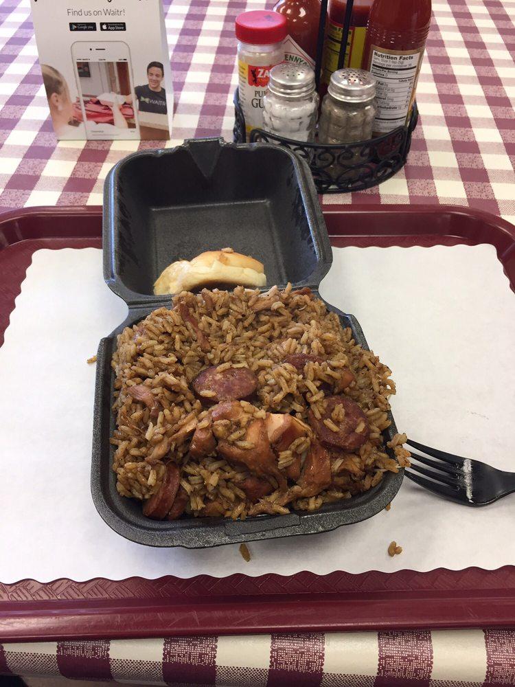 Pot & Paddle Jambalaya Kitchen: 2819 S Cabela's Pkwy, Gonzales, LA
