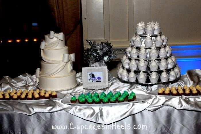 Oventz Winter Wonderland theme - 4 tier wedding cake ...