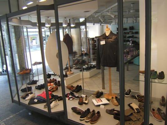 Thomas - Schuhe - CLOSED - Shoe Stores - Hohenzollernstr. 26 ...