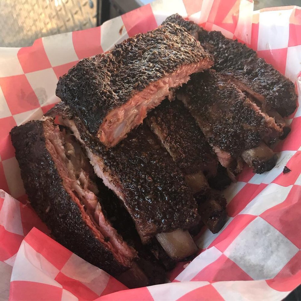Sevens Out BBQ: 101 County Road 409, Spicewood, TX