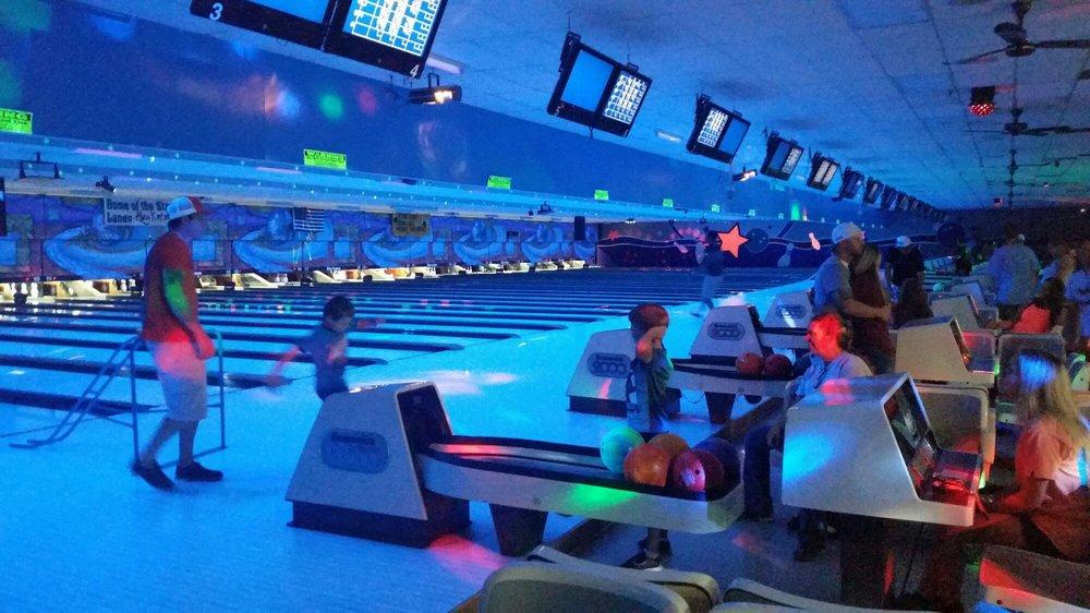 Star Lanes Bowling Center: 2595 E Main St, Spartanburg, SC