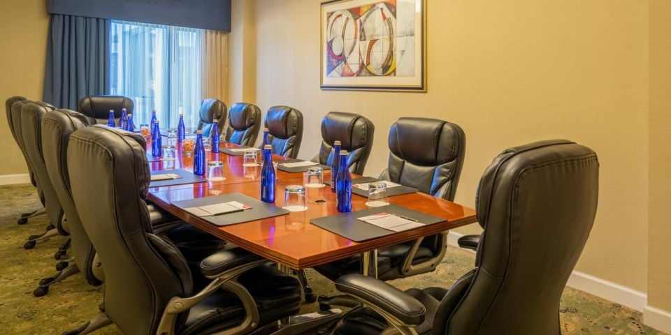 Crowne Plaza Dulles Airport: 2200 Centreville Rd, Herndon, VA