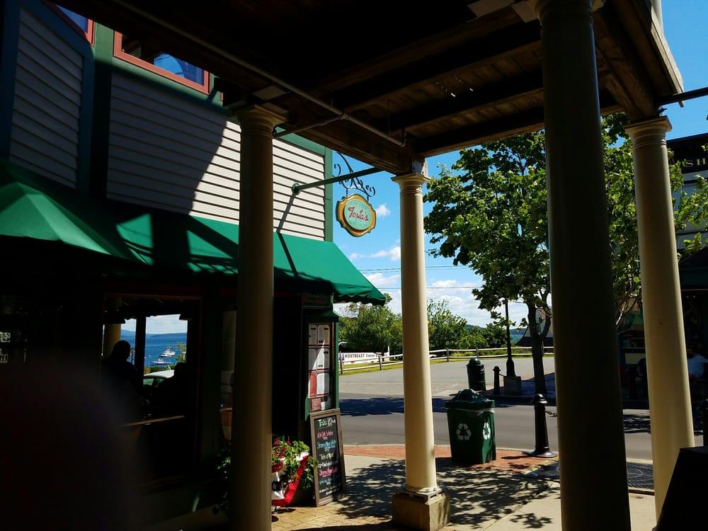 Testa s restaurant 54 photos 113 reviews seafood for Food bar harbor me