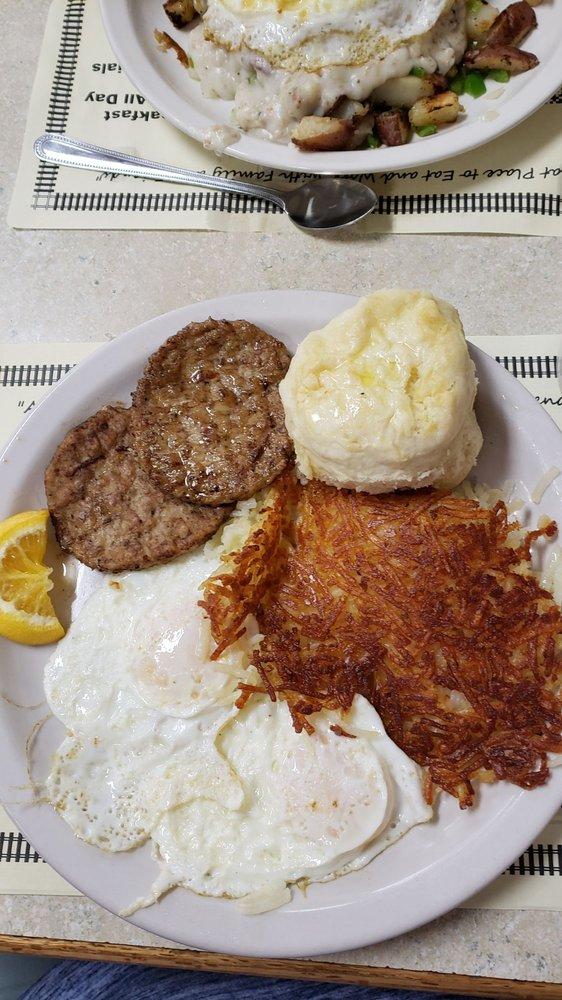Breakfast Station: 9342 Oakhurst Rd, Seminole, FL