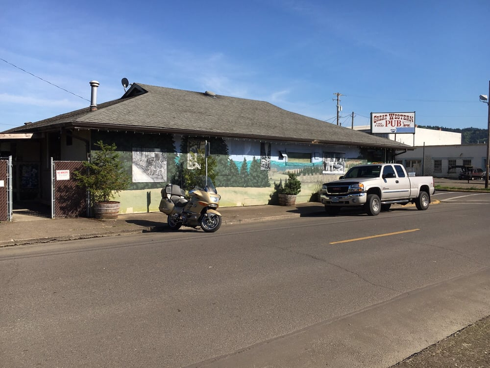 Great Western Pub: 802 E Whiteaker Ave, Cottage Grove, OR