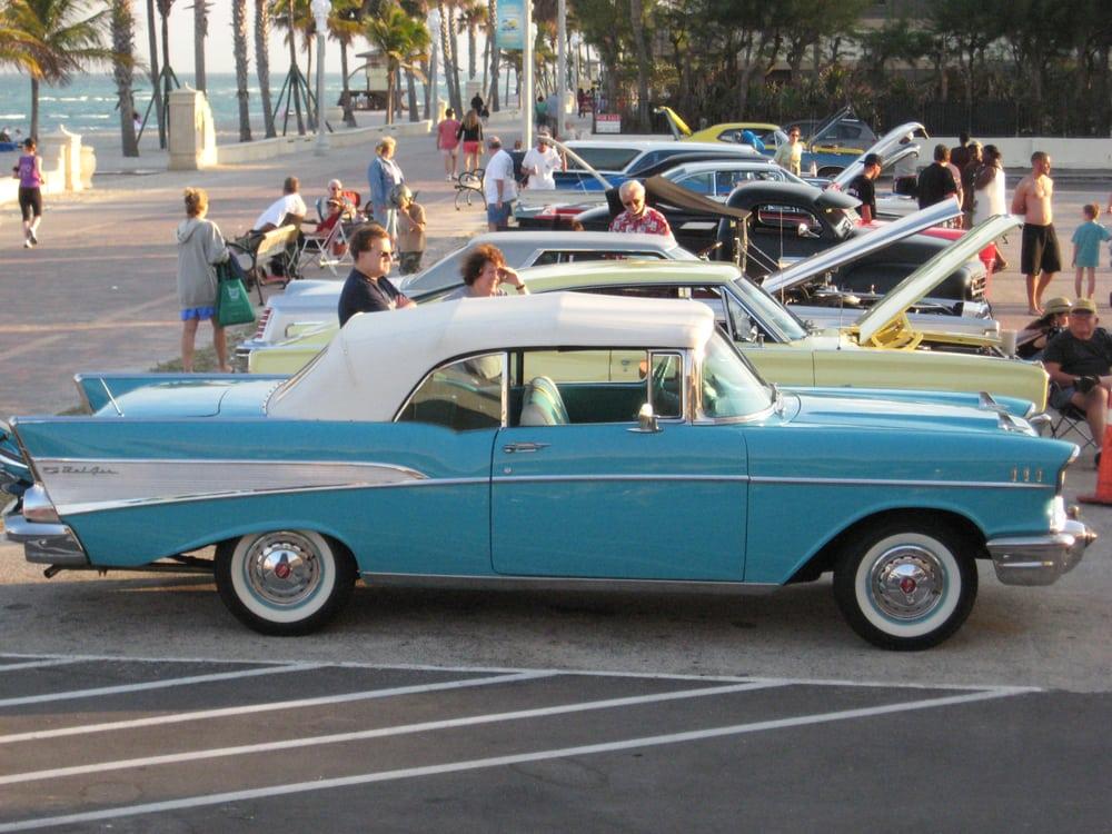 Ocean Eleven On the Beach: 3111 N Surf Rd, Hollywood, FL