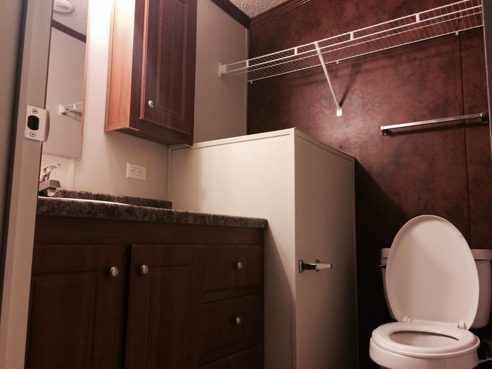 Oasis Lodge: 170 New York Ave, Big Lake, TX
