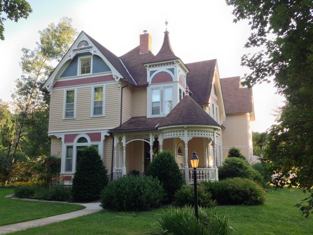 Scandinavian Inn: 701 Kenilworth Ave S, Lanesboro, MN