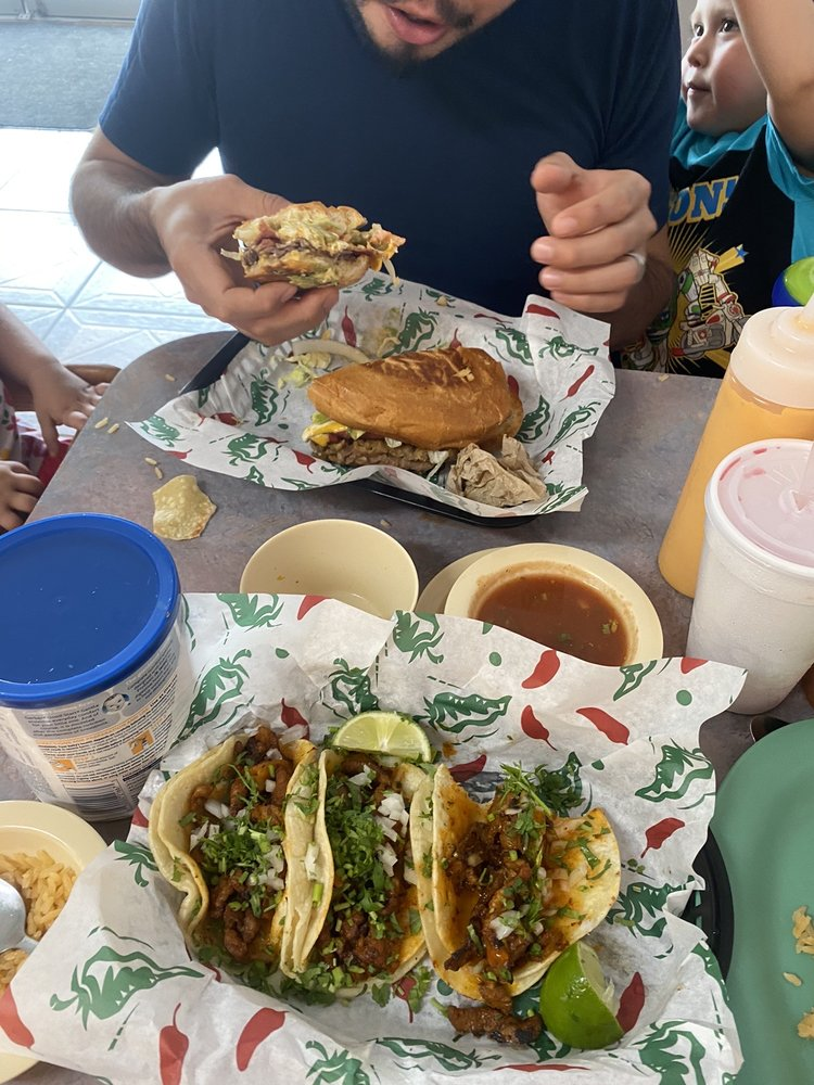 Taqueria Los Compas: 125 E Central Ave, Carthage, MO