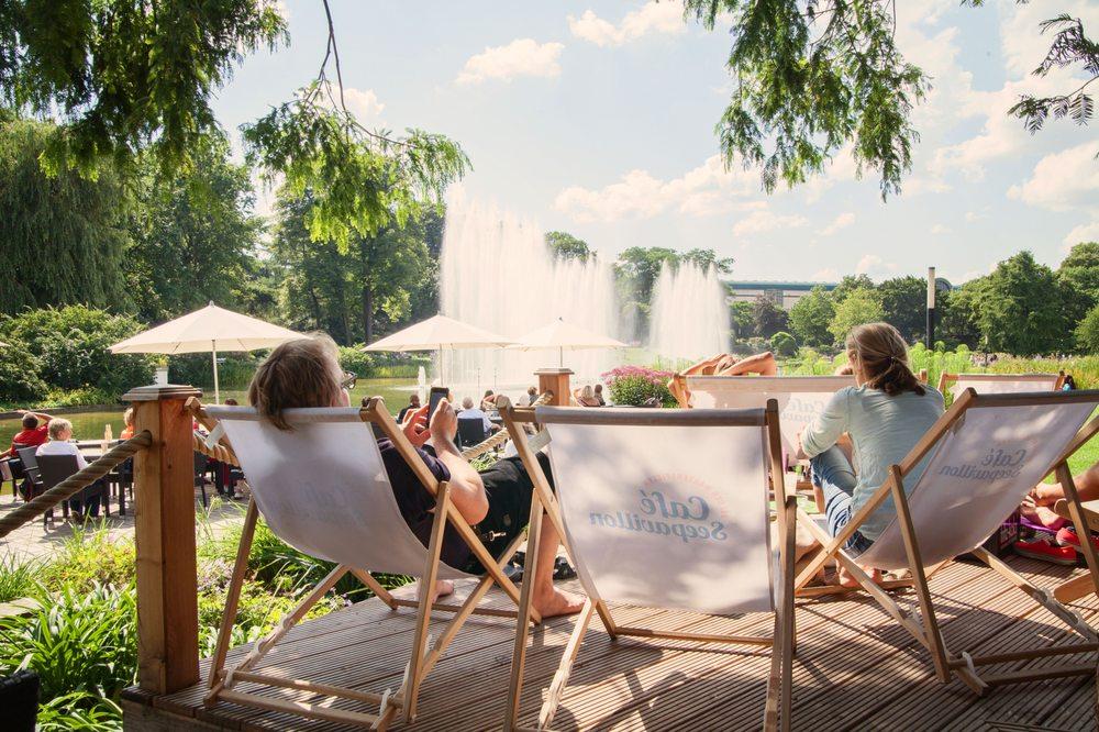 Lounge Im Cafe Seepavillion Wasserspiele Bei Tag Planten Un