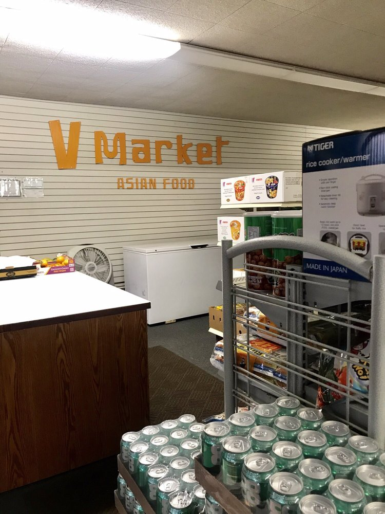 V Market: 716 W 16th St, Hastings, NE