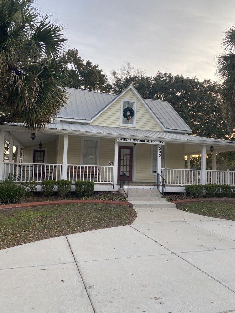Lawton house: 200 W Broadway St, Oviedo, FL