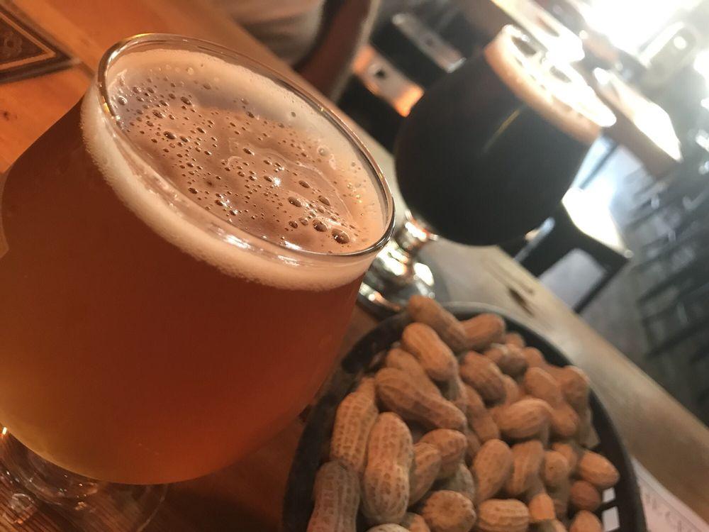 The Cellar Peanut Pub: 629 Franklin St, Pella, IA