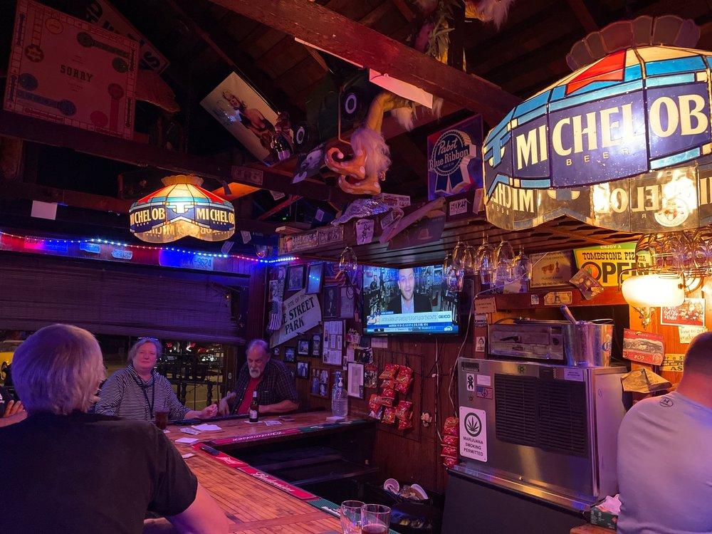 Broken Down Valise Pub: 180 Pike St, Mattituck, NY