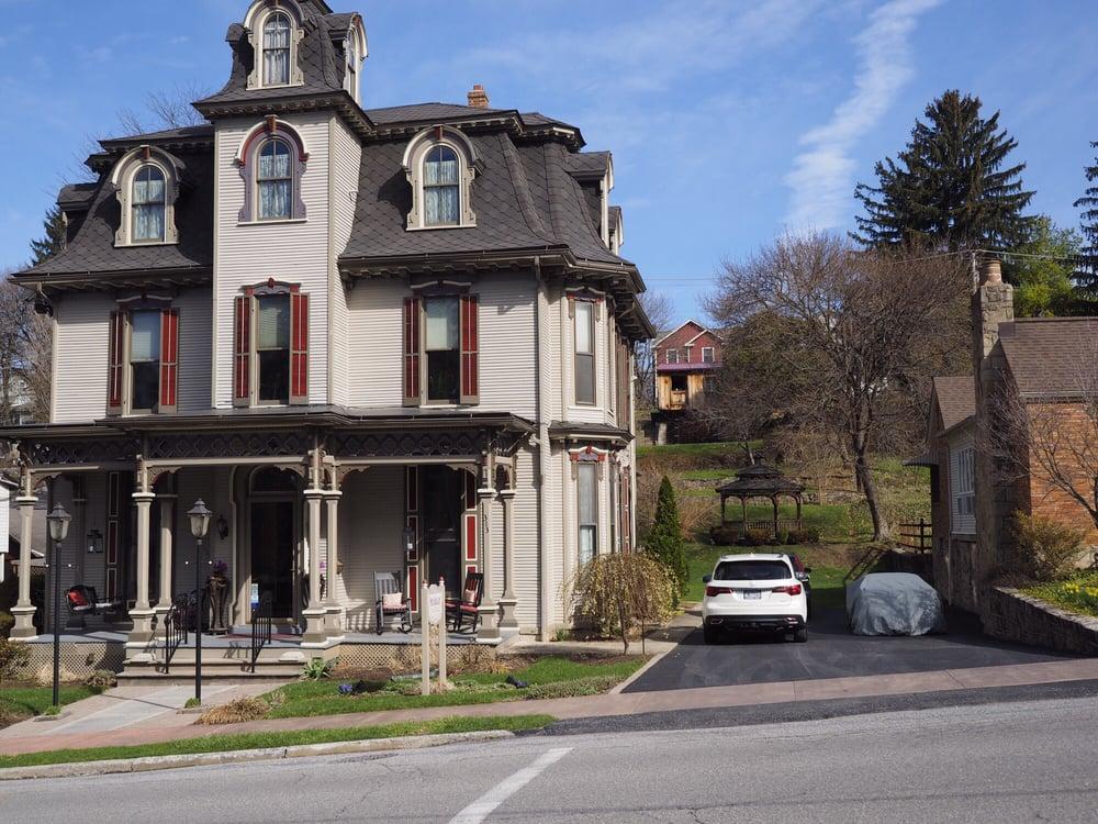 Our Fair Lady Bed & Breakfast: 313 E Linn St, Bellefonte, PA