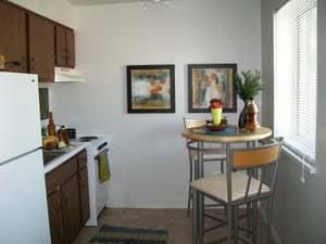 Parc Chalet Apartments: 4120 Geraldine Ave, Saint Ann, MO