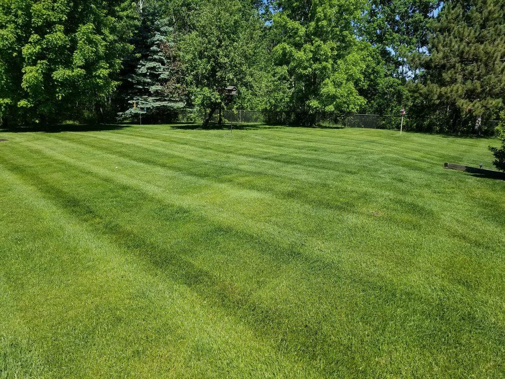 Veteran Lawn Service: 14627 Edison St NE, Ham Lake, MN