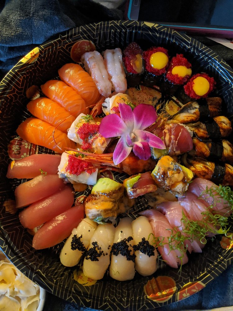 Food from Green Papaya Thai & Sushi Cuisine