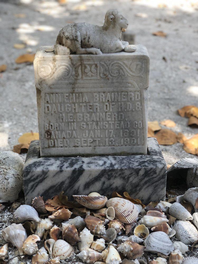 Captiva's Historic Cemetery: 11580 Chapin Ln, Captiva, FL