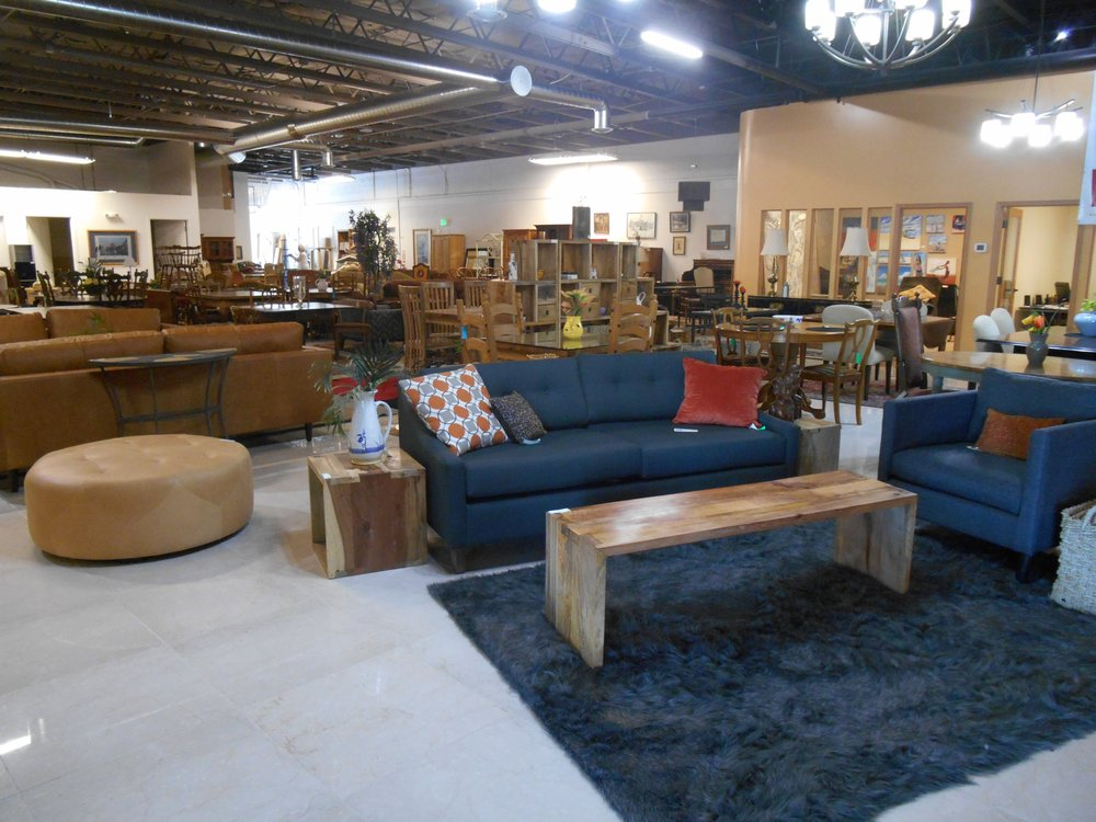Consign design furniture stores 16830 southcenter pkwy for Furniture in tukwila