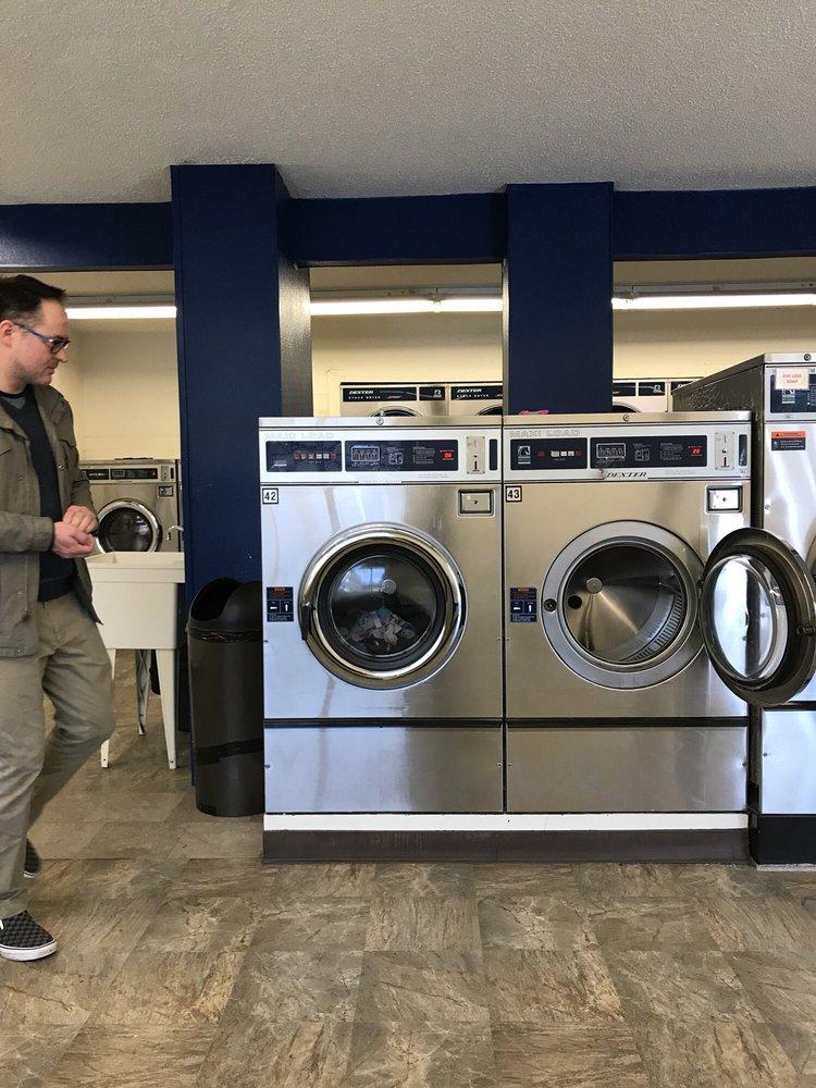 Glen Ellen Coin Laundry: 17350 London Ranch Rd, Glen Ellen, CA