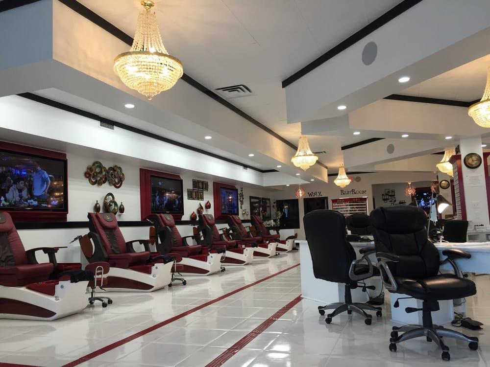 Red Carpet Nails and Spa Studio: 2106 Franklin Ave, Gretna, LA