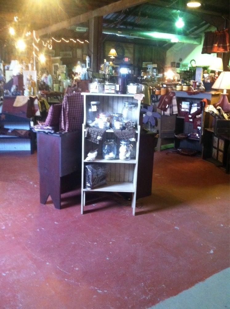 Jamie's Candle Loft: 2713 Locust St, Sterling, IL