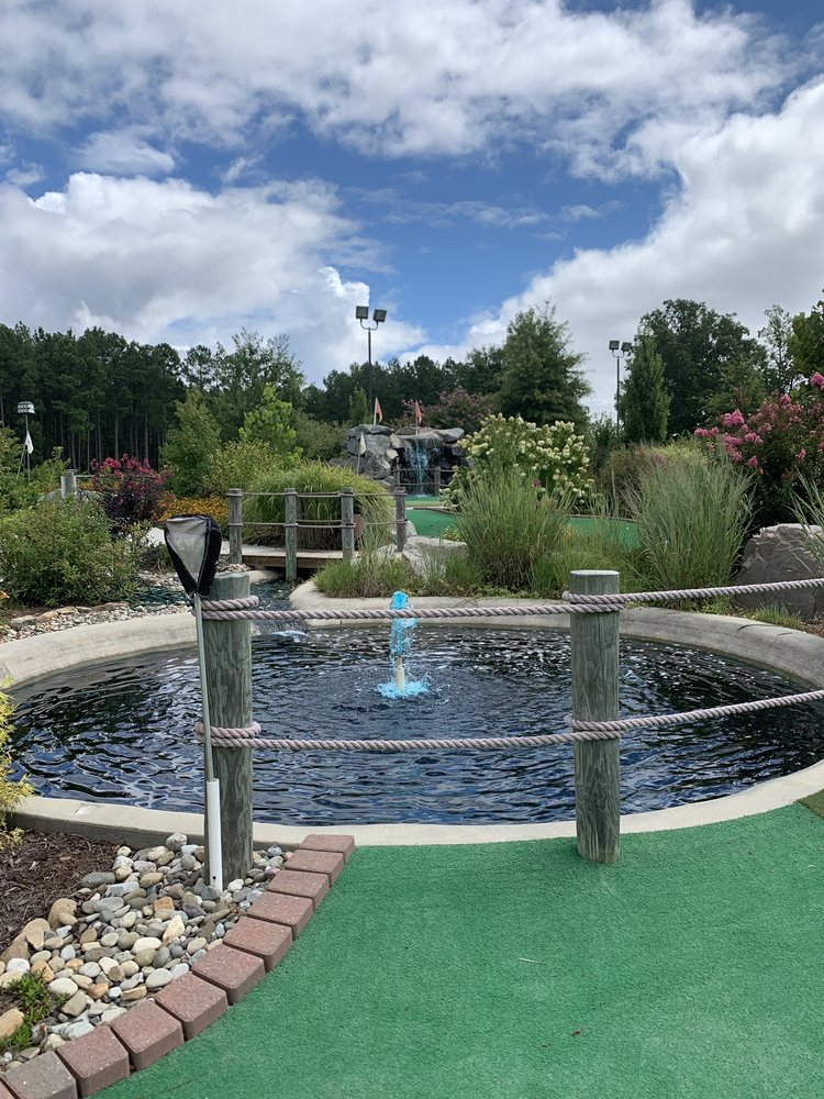 Lakeside Mini Golf: 3359 River Rd, Henrico, NC