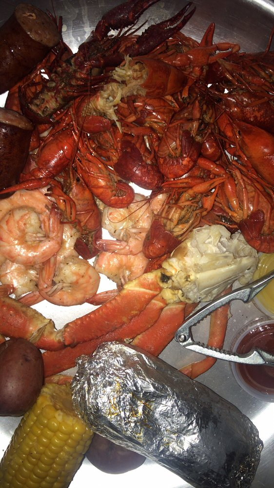 Crawdad Hole: 129 S Main St, Water Valley, MS
